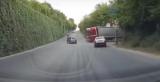 В Днепре водитель чудом избежал столкновения с фурой